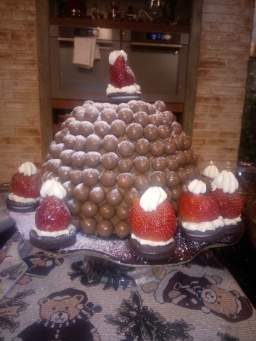 Christmas Chocolate Malteser Pudding with Edible Santa Hats